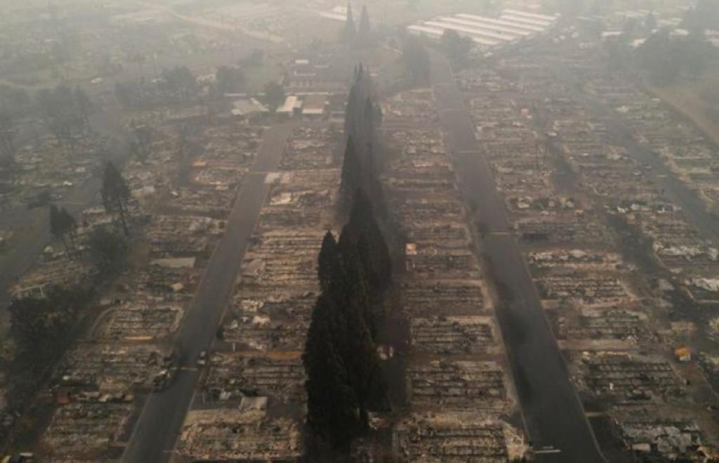 Ten per cent of Oregon told to evacuate as U.S. West wildfires kill 24