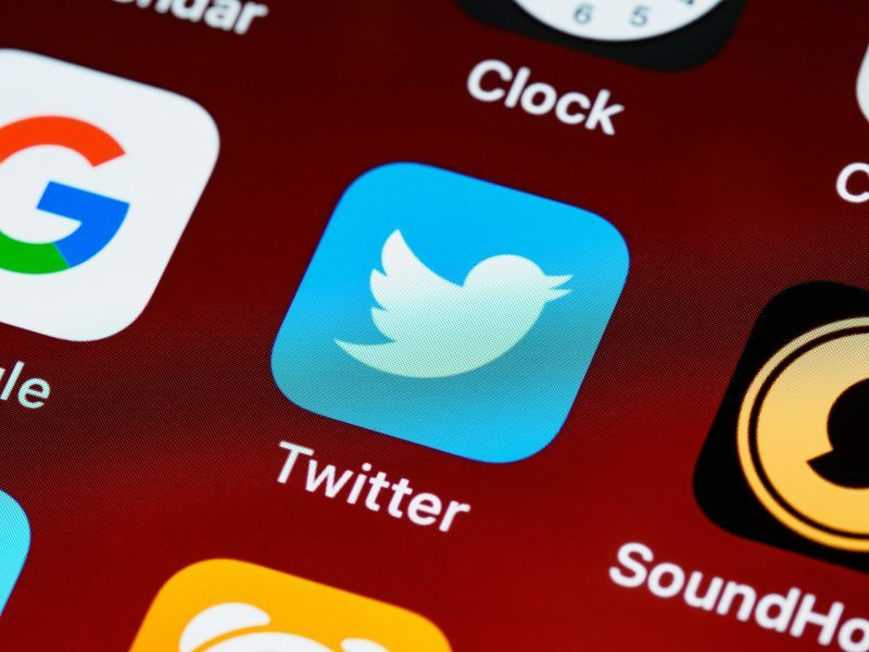 Twitter tests a new way to watch YouTube videos