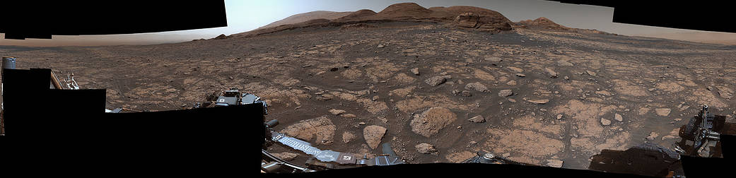NASA's Mars Curiosity rover sends back a dramatic selfie and panoramic images of a spectacular rock formation