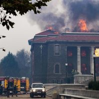 Wildfire in South Africa threatens University of Cape Town